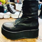 Arriva.. arriva.. ancora qualche giorno e poi da @joanna_boutique questo super🔝anfibio di Cinzia Araia 🖤🖤🖤  #comingsoon   . . .  #joannaboutique #bedifferent #mood #fashion #fashionaddict #cool #street #streetstyle #black #chic #glamour #glamourstyle #boots #style #styleinspiration #ootd #ootdfashion #casualstyle #winteroutfit #wintercollection #fashionista