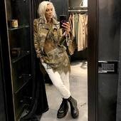 Un mix di pizzo @pinkmemoriesofficial + pantalone jogging @brandunique + chiodo camouflage @front_street8  💣💚🤍🤎🔝 @joanna_boutique  Online www.joannaboutique.com   #joannaboutique #bedifferent #fashion #fashionstyle #instafashion #fashionista #fashionable #ootd #staytuned #springsummer #newcollection #camouflage #militarystyle #rockstyle #green #cool #motivation #goodvibes #newentry #picoftheday #outfitoftheday #madeinitaly #shoppingonline #comfylooktoday