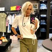 Una t-shirt fuori dall'ordinario, con le maniche in sangallo.. @isabelleblancheparis , 🔝 Disponibile anche in nero e.. super scontata !🤍💚🖤 🔥SALDI -40%🔥 @joanna_boutique  Sito Online www.joannaboutique.com   #joannaboutique #bedifferent #fashion #fashionstyle #instafashion #fashiongram #fashionaddict #fashioninspo #sales #saldi #turin #goodvibes #motivation #glam #chic #urbanstyle #streetstyle #rockstyle #me #mystyle #shoppingonline #picoftheday #outfit #look #cozy #cool #ootd #staytuned #summertime