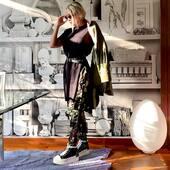 Un #outfit 💣🔝per tutti i giorni 🖤💚🤍joannaboutique Online www.joannaboutique.com  Fai tap sulla foto per visualizzare i prodotti   Pantaloni @brandunique  Giacca @oofwear  Sneakers @cinziaaraia   #joannaboutique #bedifferent #moda #modaitaliana #fashion #fashionable #fashiongram #fashionaddict #green #military #militarystyle #newcollection #newentry #ootd #staytuned #motivation #springsummer2021 #ecofriendly #picoftheday #urbanstyle #streetstyle #chic #glamour #rock #shoppingonline #shopping #newpost