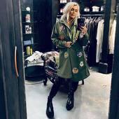 "NEW ENTRY! Il parka militare io ..LO AMO!! 💚💚💚🖤Questo, in versione "" super leggera"" è perfetto! 🔝 @historyrepeatsclothing   @joanna_boutique  Presto anche online www.joannaboutique.com  #joannaboutique #bedifferent #fashion #moda #fashionaddict #fashionable #fashionstyle #instafashion #moodoftheday #motivation #staytuned #newcollection #militarystyle #parka #rockstyle #newin #glamchic #shopping #shoppingtime #picoftheday #outfit #goodvibes"