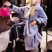 New blue Teddy💙🔝da @joanna_boutique e on line www.joannaboutique.com Fai tap sulla foto per visualizzare i prodotti   Cappotto teddy @isabelleblancheparis  Stivaletti Cinzia Araia Borsa @_ioef_   . . . #joannaboutique #bedifferent #fashion #fashionstyle #ootd #ootdfashion #comfy #comfyoutfit #teddy #blue #outfitoftheday #street #urban #style #newpost #winter2020 #mood #moodoftheday #instafashion #instalike #goodvibes #motivation