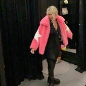Eco pelliccia rosa stupendo! 💗Con il nero è perfetta!!🖤💣🔝da @joanna_boutique e on line www.joannaboutique.com  Eco pelliccia GLOX  Camicia @religionclothing  Stivali Cinzia Araia   . . . #joannaboutique #bedifferent #ecofur #pink #comfy #comfyoutfit #stars #fashion #fashionstyle #outfitoftheday #outfitinspiration #lookoftheday #urbanstyle #ootd #ootdfashion #ootdinspiration #style #me #instafashion