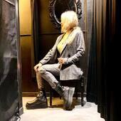 Abito check grigio/nero con profilo lime 💛 🖤🤍 outfit super CHIC !! da @joanna_boutique e on line  www.joannaboutique.com  Giacca e pantaloni @brandunique  Stivaletti Cinzia Araia  . . . #joannaboutique #bedifferrent #check #blackandwhite #me #fashionaddict #fashion #instafashion #fashionista #mood #outfitoftheday #outfit #winter2020 #newlook #instastyle #instafashion #clothes #mylook #outfitpost #cool #urban #urbanoutfit #streetstyle #glam #glamour #glamourstyle