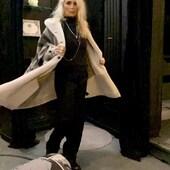 Un pezzo UNICO!! Bellissimo questo shearling con intarsi in lana ..🔝🔥🖤 da @joanna_boutique e on line  www.joannaboutique.com  🔥- 15 % on line fino al 20 novembre 🔥  #joannaboutique #bedifferent #comfyoutfit #outfitoftheday #me #mylook #fashion #instafashion #instalike #fashionaddict #outfitinspiration #outfit #shearlingjacket #shearling #etnicstyle #winteroutfit #winter2020 #glam #glamour #beyou #instafashion #fashionista #urbanstyle #streetstyle #ootd #ootdfashio