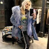 Un bel parka @freedomdayofficial con pantaloni di pelle @vintagedeluxe_it 🖤💙💛  🔥-40%🔥  #joannaboutique #bedifferent #beyou #fashion #instafashion #fashionstyle #fashionaddict #fashionable #ootd #ootdfashion #picoftheday #urbanstyle #streetstyle #woman #comfy #shoppingonline #sale #madeinitaly #rock #lifestyle #motivation #moodoftheday #styleinspiration #glamour #chic