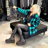 Nero🖤 più verde menta💚... una combinazione 💣🔝!!!da @joanna_boutique e on line  www.joannaboutique.com  Cardigan @akep Camicia @religionclothing  Anfibi Cinzia Araia Stivali Cinzia Araia   . . . #joannaboutique #bedifferent #boots #green #black #fashion #fashionstyle #fashionaddict #comfyoutfit #leather #rock #style #styleinspiration #newcollection #newentry #moodoftheday #mood #outfitinspiration #outfit #picoftheday #instalike #cute #instafollow