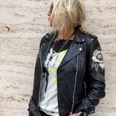 Questo BIKER in pelle è una 💣!!! New entry da @joanna_boutique 🔥  Maglia @brandunique  Giubbotto @religionclothing  . . . #joannaboutique #bedifferent #rockstyle #rock #rose #style #fashionista #fashion #moda #urban #streetstyle #chic #glamour #black #punkstyle #leatherjacket #mood #outfitinspiration #outfit #instafashion