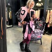 Quest'autunno non può mancare il bomber stile #college 🔝come questo #pink , di @mpdbox , anche in altre due varianti di colore, #black e #grey ,sul nostro sito Online  www.joannaboutique.com  🖤💗🖤💗🖤💗🖤💗🖤💗 Felpa tie-dye @oneteaspoon_  Anfibi @ixos_beyond   #joannaboutique #bedifferent #fashion #fashionaddict #fashiongram #fashionable #instafashion #fashioninspo #streetstyle #urbanstyle #whatiwore #fashionpost #outfit #fashionpost #mylook #chic #glamour #outfitgoals #outfitinspiration #ootdfashion #currentlywearing #staytuned #portraitmood #toptags #picoftheday #madeinitaly #clothes